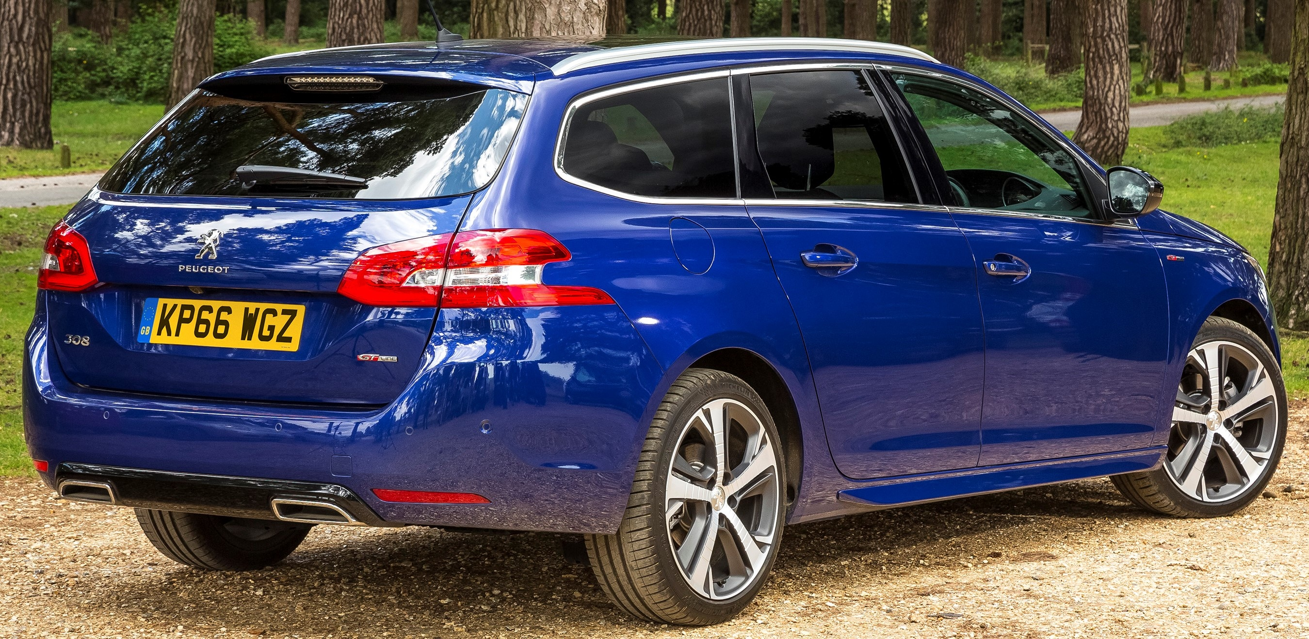 Peugeot 308 Review Fuse Box Cover Unfortunately This Softness Does Result In A Little Sloppiness Corners But For The Most Part Is Great To Drive